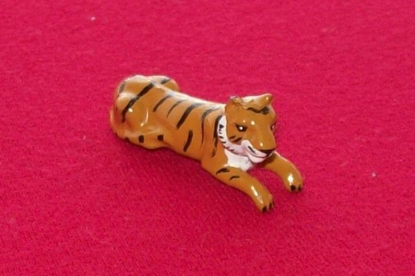 CORGI TOYS GIFT SET # 7B Daktari plastic tiger for bonnet [ Each ]